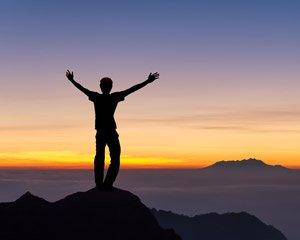 Erreiche auch du den Gipfel des Geistes, das Bodhi, regelmäßige Meditation und das Einhalten des achtfachen Pfades führen dich dort hin.