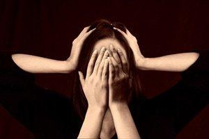 Regelmäßige Meditationsübungen können Angstgefühle oder Depressionen reduzieren.