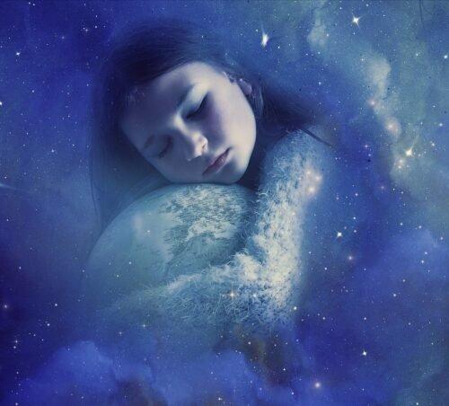 Mädchen schläft und hat Zugang zur Akasha-Chronik