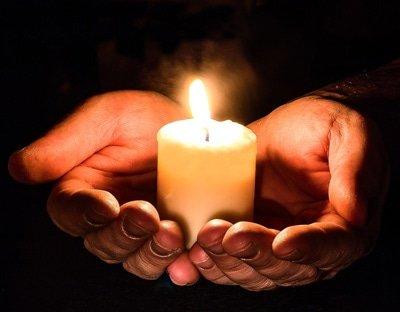 Die Kerze ist das beliebteste Konzentrationsobjekt bei der Meditation.