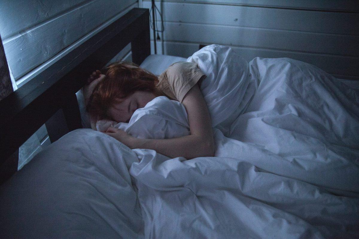 Schlafparalyse - Schlaf seitlich