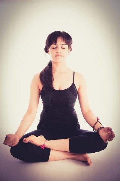 Die Stillemeditation wird bevorzugt im Sitzen ausgeführt.