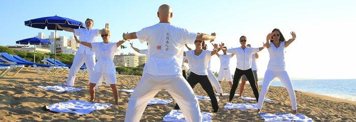 Viele Tai-Chi Kurse finden auch im Freien statt.