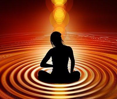 Wer seine Achtsamkeit während der Meditation ausdehnt, der kann bisher unentdeckte Facetten der Welt wahrnehmen, da sie im Alltagsbewusstseinszustand für gewöhnlich ausgeblendet werden.